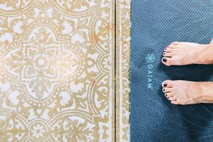 YOGA BRUNCH MAT AND FLOOR
